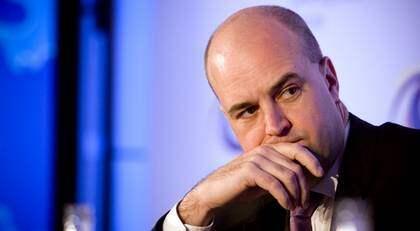 Läge att lyssna av opinionen?Om statsminister Fredrik Reinfeldt trott att protesterna mot FRA-lagen skulle avklinga efter att lagen antogs av riksdagen, trodde han fel. I en ny kampanj kan Expressens läsare skriva under ett upprop mot lagen. Foto: SUVAD MRKONJIC
