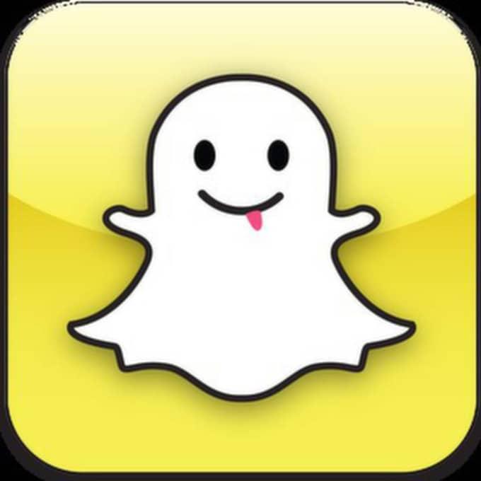Den 16-åriga flickan döms för att ha hotat pojken via appen Snapchat.