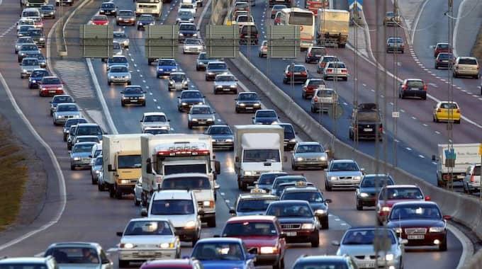 PROPP. När trafiken är tjock kommer bussarna inte fram. Ofta uppstår en ketchupeffekt - ingen buss på evigheter, sedan tre på rad. Som i sin tur hindras av bilköerna. Foto: Jan Düsing