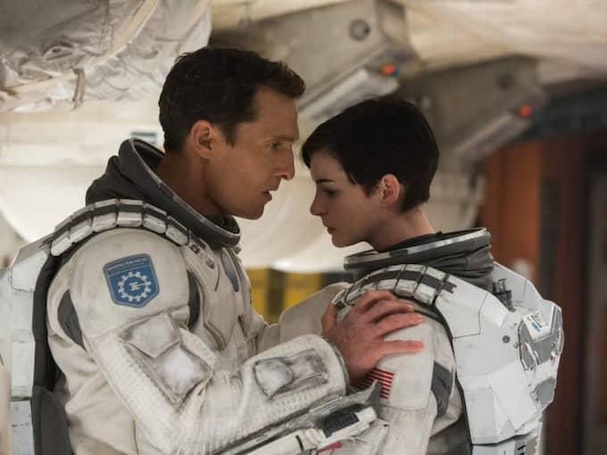 """LIVETS RESA. I """"Interstellar"""" spelar Matthew McConaughey och Anne Hathaway astronauterna Cooper och Brand som gör sitt livs resa för att rädda mänskligheten.. Foto: IMDB"""