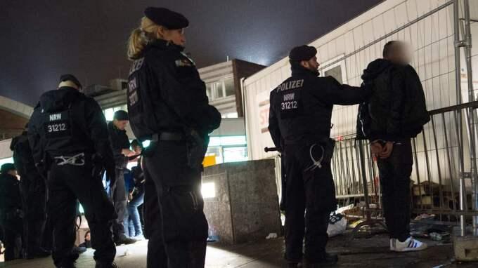 På nyårsnatten utsattes en mängd kvinnor för sexövergrepp i Köln. Foto: Marius Becker / Epa / Tt