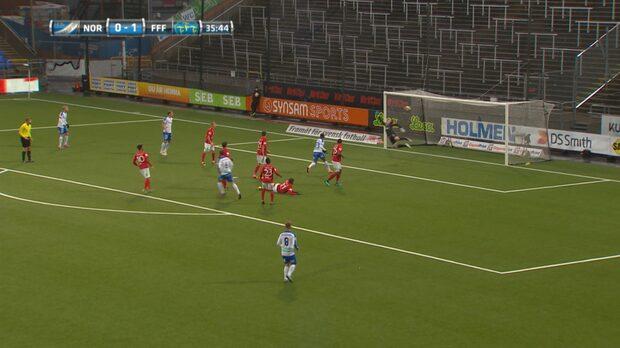 Norrköpings Linus Wahlqvist gör 1-1 mot Falkenberg