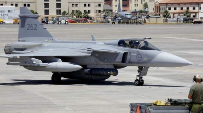Försvarsmakten har förmågan men inte nog med pengar för Sverige ska kunna skicka Jas Gripen som stöd till Frankrikes kamp mot IS. Foto: Robban Andersson