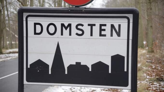 Männen kom i land med gummibåten i Domsten i Skåne. Foto: Stefan Lindblom/HBG-BILD