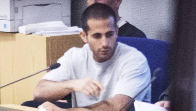 Han döms till livstids fängelse. Foto: Robin Aron