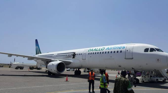 Flygplanet har nödlandat i Mogadishu, Somalia. Foto: Goobjoog News