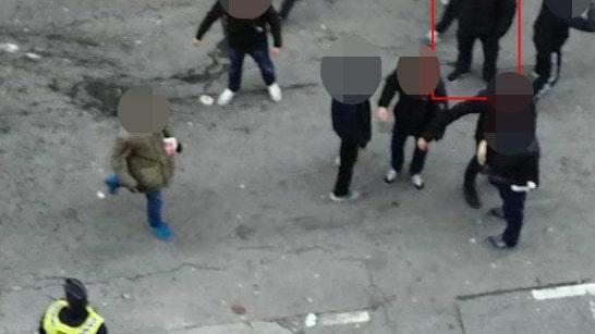 Här drabbar huliganerna samman på Malmös gator