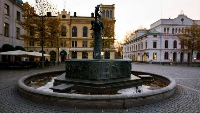 Nyårsfirandet på Larmtorget i Kalmar har resulterat i åtminstone sju anmälningar om sexuellt ofredande. Foto: Nils Petter Nilsson