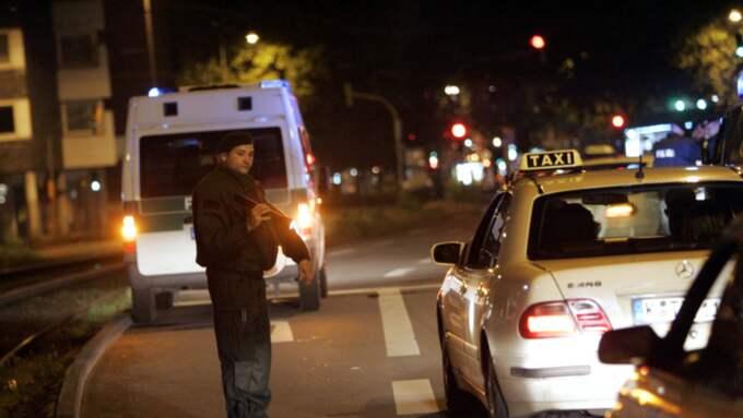 Polis i Köln. Foto: Sven Lindwall