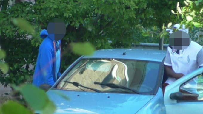 De två 35-åriga männen kapade identiteter på mördare som satt bakom lås och bom. Foto: Polisen