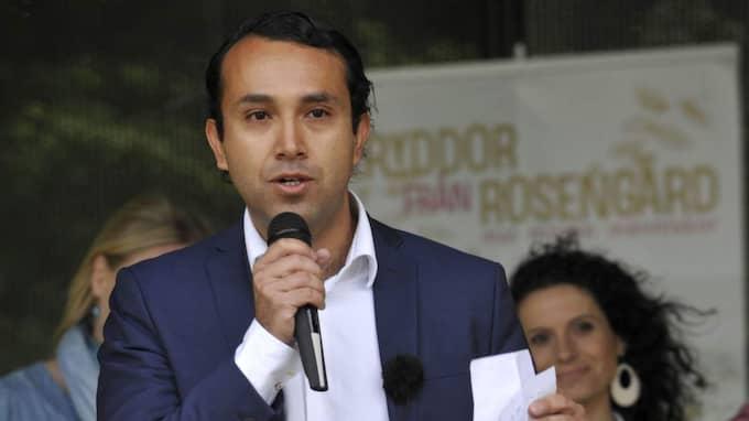 """Den högt profilerade socialdemokraten Luciano Astudillo har blivit mångmiljonär på sina aktier. """"Det är så det fungerar i marknadsekonomin. Jag köpte aktier när de var väldigt lågt värderade. Nu har de skjutit i höjden, inte minst för att bolaget vuxit organiskt väldigt mycket, så fungerar det"""", säger han. Foto: Christer Wahlgren"""