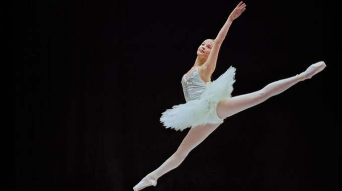 Alicia Vikander från baletten Paquita. Foto: Ingmar Jernberg
