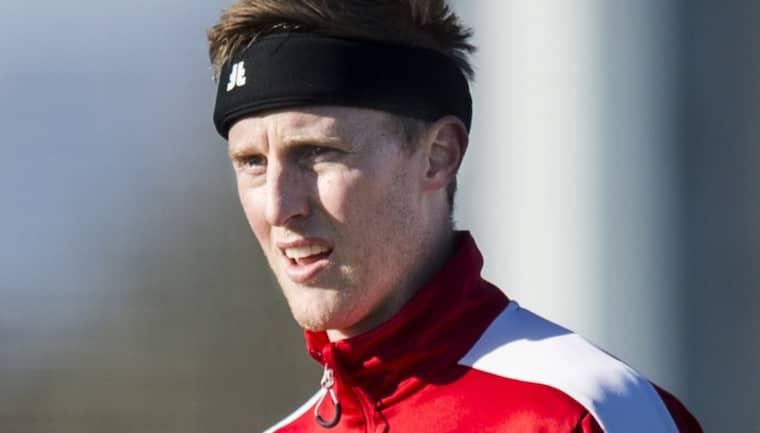 Peter Larsson tillbaka på planen. Foto: Petter Arvidson