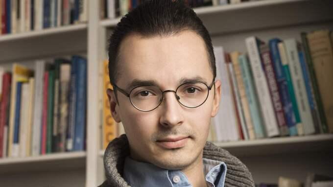 """""""Vi svenskar som av SVT eller någon annan definieras ha icke-svensk etnisk bakgrund reduceras i denna typ av kartläggningar till en biografisk detalj"""", skriver Adam Cwejman."""