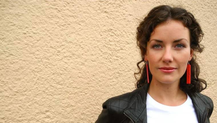 INBJUDEN. Astrid Menasanch Tobiesons protester mot Partido Popular fick konsekvenser. Foto: Stå! Gerillan