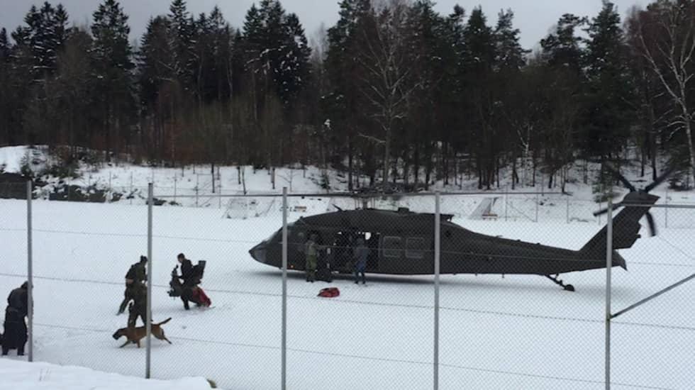 Insatsstyrkan landar på Gaisgården i Göteborg. Foto: Erik Bergkvist