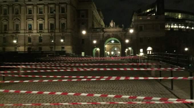 Riksdagshuset har spärrats av av aktivister Foto: Öresundsrevolutionen