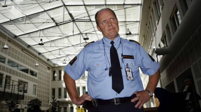 SLÅR LARM. Göteborgs tidigare polischef Lars Klevensparr är i dag chef för räddningstjänsten i Göteborg. Nu slår han och hans team larm om att säkerhetstänket kring Västlänken brister och att man med det nuvarande förslaget kan få en responstid på runt 45 minuter innan brandmän kan vara på plats vid en olycka eller brand i delar av den tänkta supertågtunneln Foto: Jan Wiriden