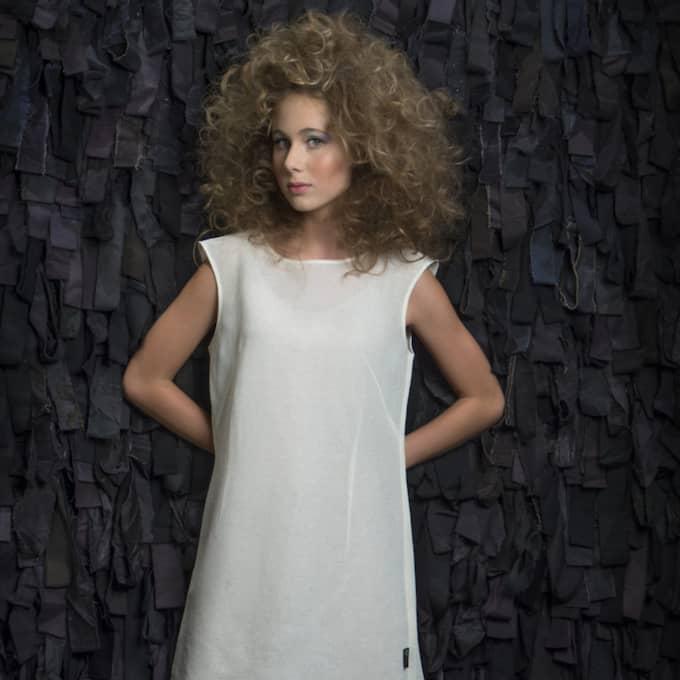 Klänning av pappersmassa. Foto: Smart Textiles