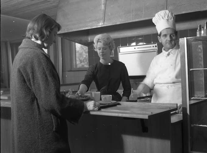 FÖRSTA RESTAURANGEN. Den första Ikea-restaurangen öppnade i Älmhult 1959. 1985 hamnade köttbullen på menyn. 2010 omsatte Ikea Food Service 9,95 miljarder svenska kronor. Foto: IKEA