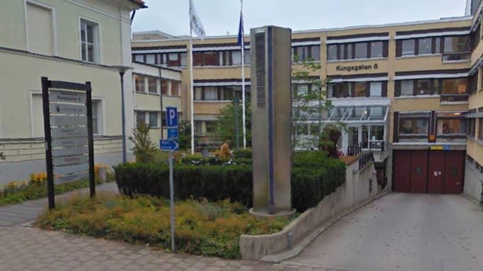 Nu åtalas både 44-åringen och hustrun vid Växjö tingsrätt. Foto: Google Maps