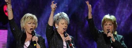 Ann-Louise Hanson, Towa Carson, och Siw Malmkvist tävlade i Melodifestivalen 2004. Nu gör de comeback i schlagersammanhang - men utan att tävla.
