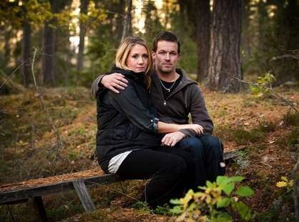 I dag är det exakt sex månader sedan deras son Victor dog. Nu väntar Sofie Karlsson och Peter Sundberg på Victors lillasyster som ska födas i januari. Foto: Tommy Pedersen
