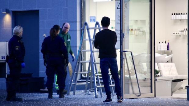 Misstänkt skjutning mot butik vid Mall of Scandinavia