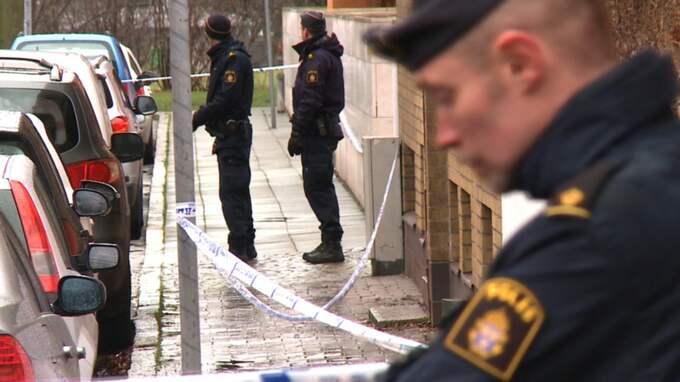 En 29-årig man hittades på annandagen död på Persgatan i centrala Helsingborg.
