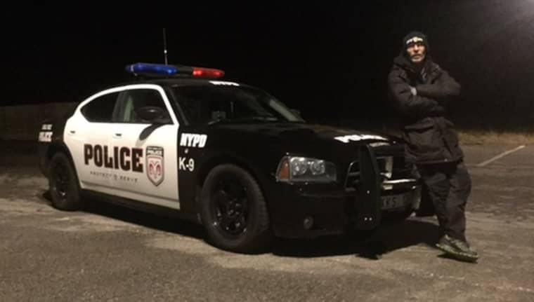 """ANNORLUNDA BIL. Jan Pedersen i Ronneby köpte en amerikansk polisbil som hittat till Sverige via en köpare på Gotland. """"Folk vänder sig om när jag kommer körande"""", säger han. Foto: Privat"""