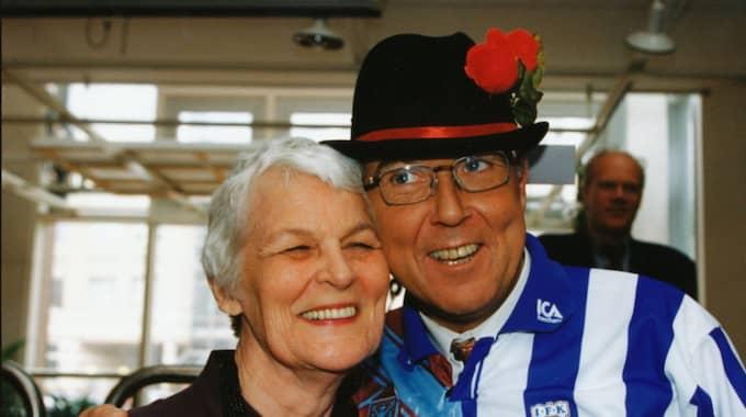 Tuss Hyland, här på bild med vännen Ingvar Oldsberg. Foto: Lennart Rehnman