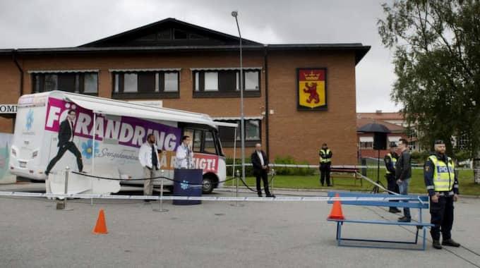 Ingen dök upp när Jimmie Åkesson höll valmöte i Dorotea. Foto: Robban Andersson