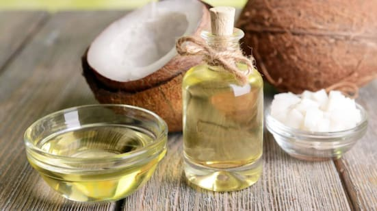 """""""I tidningar lyfts kokosoljan fram som naturlig och jättenyttig, men det är fel"""", säger livsstilsprofessorn Mai-Lis Hellénius"""