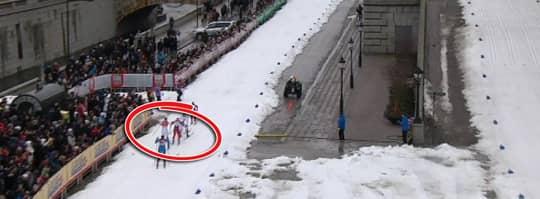 Begår Östberg ett regelbrott här? Foto: Eurosport