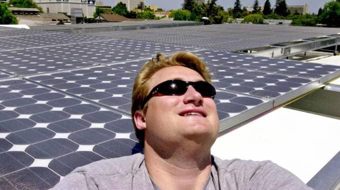 Solcellspaneler på ett tak i Kalifornien. Foto: Paul Sakuma
