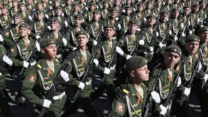 Ryska militärer under en parad i Moskva i maj i år. Foto: Yuri Kochetkov / Epa / Tt