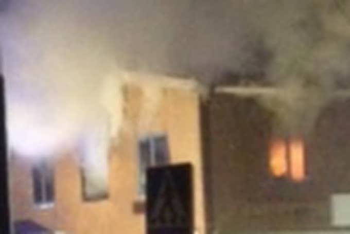 Det var på tisdagskvällen oklart vad som orsakade branden. Foto: Läsarbild