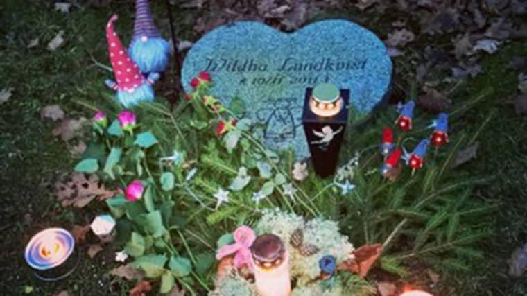 Wildha dog i plötslig spädbarnsdöd 2011. Mamma Annie vill nu att hennes dotter ska få vila i frid. Foto: Privat
