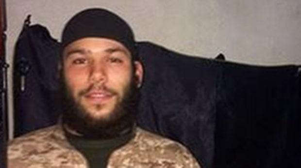 Osama Krayem, 23, åtalas för Parisdåden
