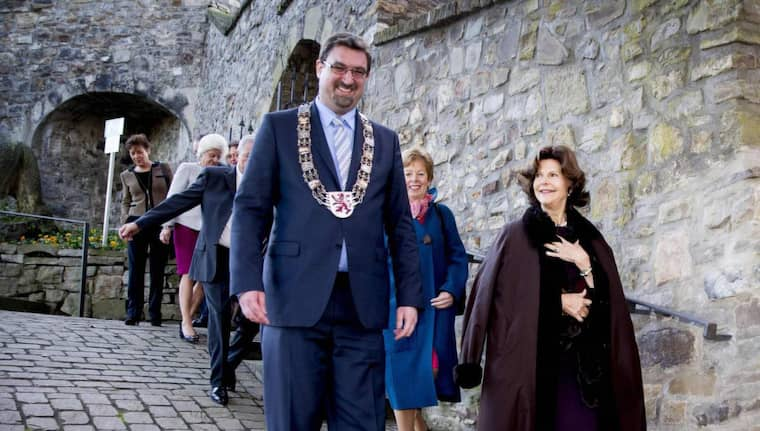 Mästarmöte. Drottning Silvia träffade Herzogenraths borgmästare Christoph von den Driesch. Foto: ALL OVER