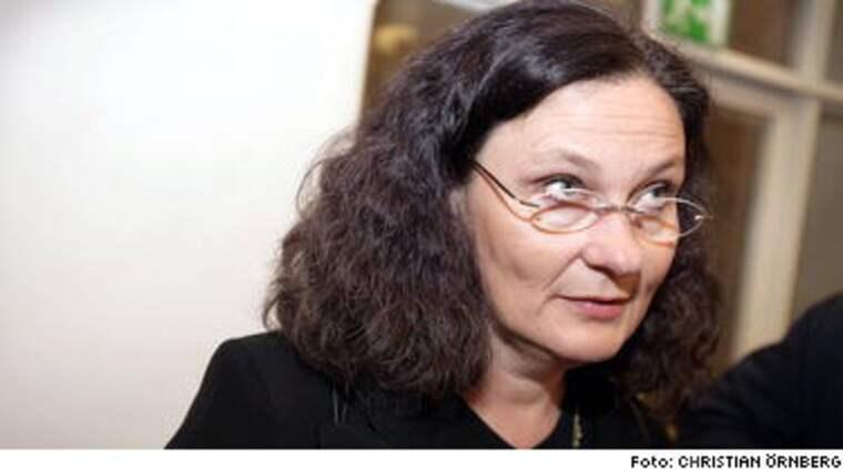 Ebba Witt-Brattström går till fränt angrepp mot partiets val till talespersoner.