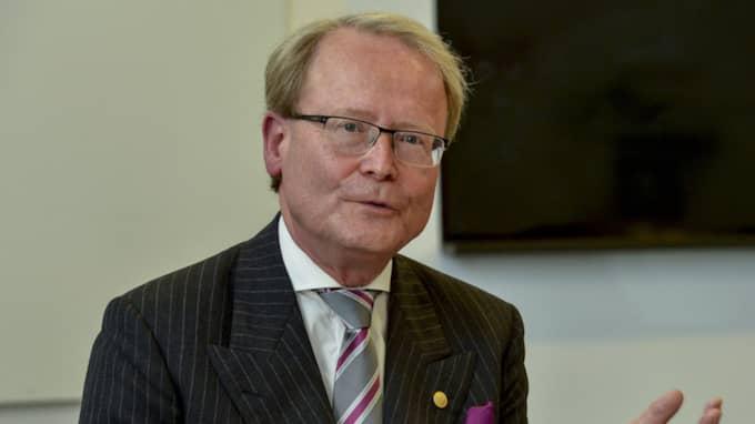 Anders Hamsten var rektor vid Karolinska institutet innan han avgick, men fick behålla lönen på 131 100 kronor. Foto: Jonas Ekströmer/Tt