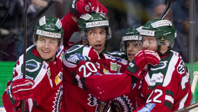 Frölunda firar efter Joel Lundqvists mål. Foto: Michael Erichsen