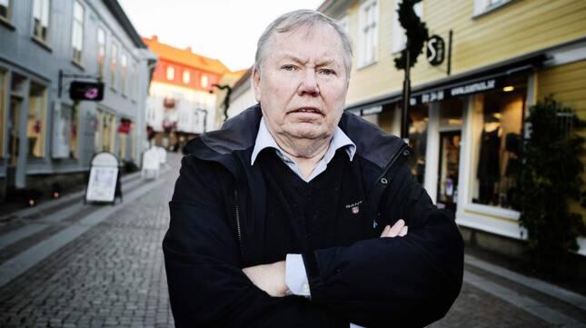 Bert Karlsson tycker att man ska dela in flyktingförläggningarna i A och B-anläggningar