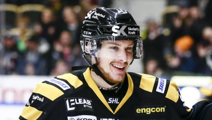 Niclas Burström i Skellefteåtröjan. Foto: Ola Westerberg