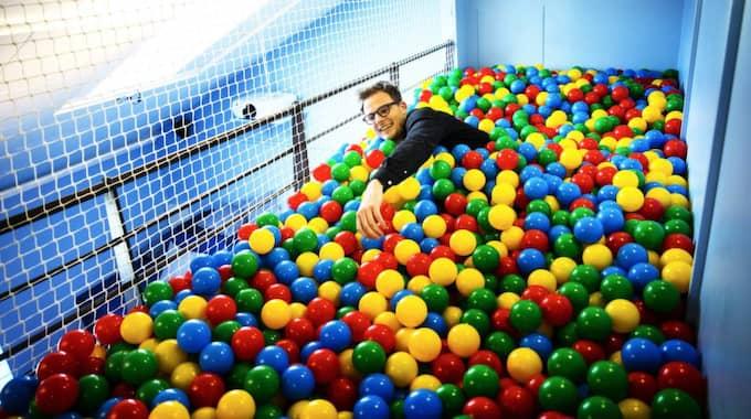 Ett bollhav är ett måste på varje kontor med självaktning Foto: Anders Ylander