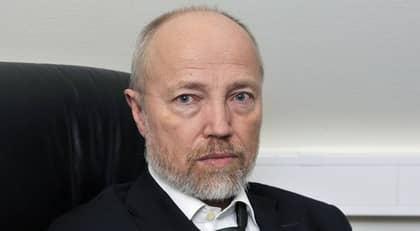 VARNAR FÖR NYTT EU-FÖRSLAG. Läkaren Anders Löfström är starkt kritisk till det förslag som Carina Hägg lagt i Europarådet om hårdare tag mot samvetsömma läkare. Foto: Lasse Svensson