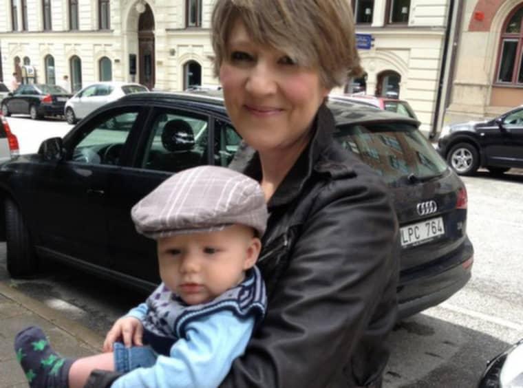 Cecilie Løken, 43, med sin son Leo, nio månader. Foto: Privat