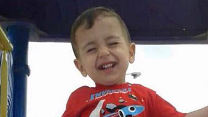 Alan Kurdi, 3, dog på havet mellan Turkiet och Grekland.
