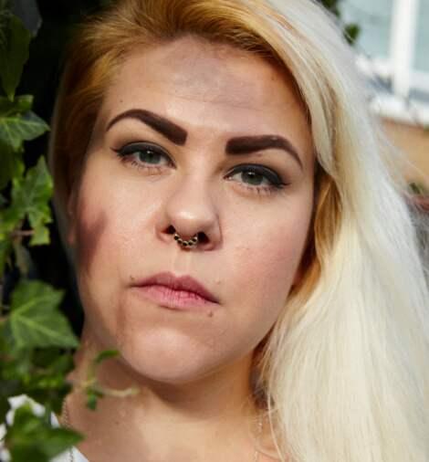 Bloggaren Karin Andersson är en av de kritiska rösterna mot reklamkampanjen. Foto: Johanna Nyholm